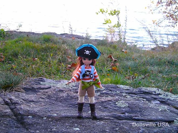 Pirate Queen Lottie: I'm the queen of all I survey!