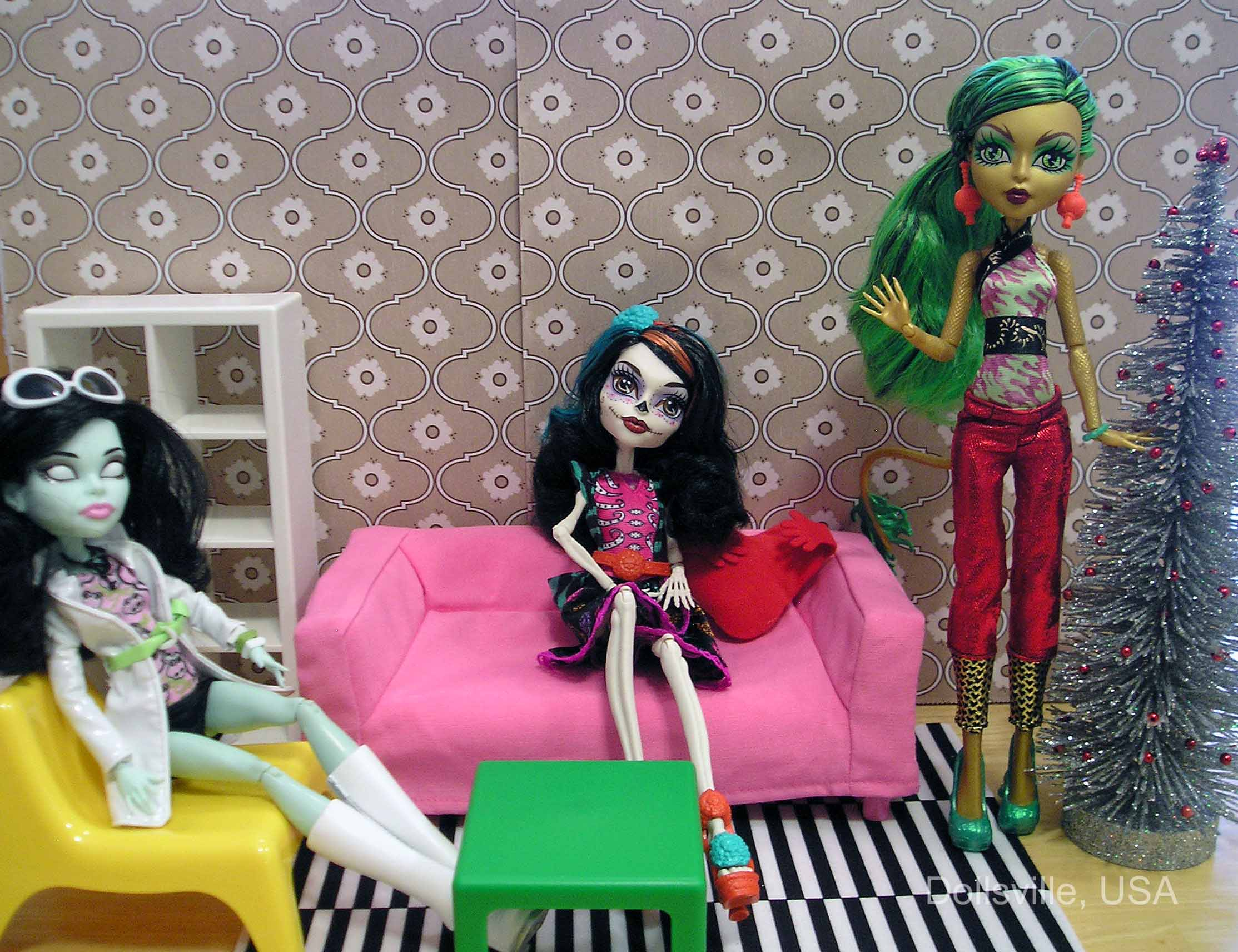 . Review  Ikea Huset doll furniture   Dollsville  USA