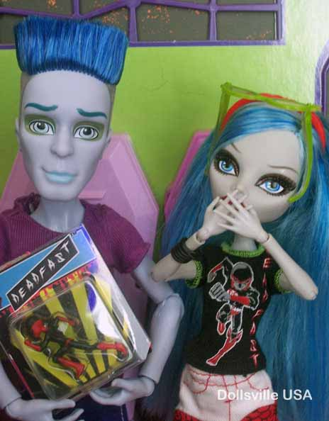 Ghoulia can't believe Slow Mo got the rare Deadfast action figure