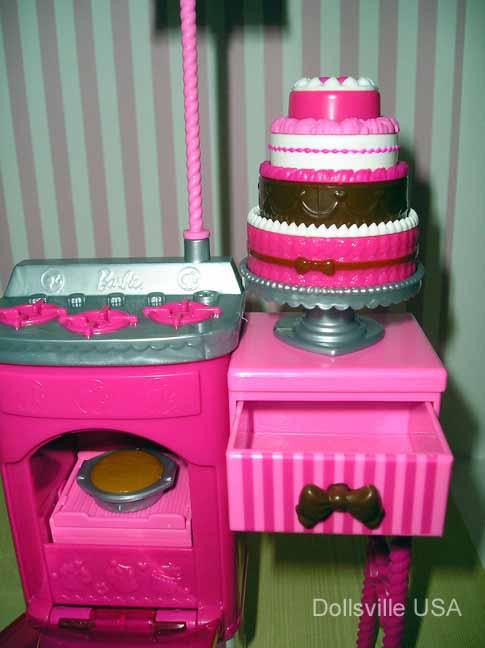 OLYMPUS DIGITAL CAMERA & Barbie   Dollsville USA