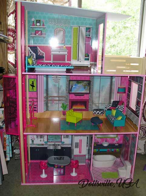 dollhouseempty